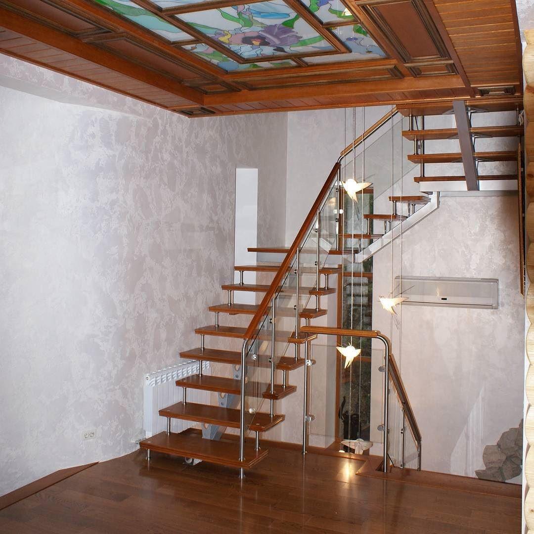Деревянная хай-тек лестница